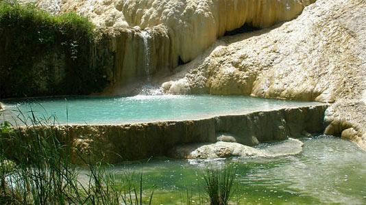 Die heißen naturquellen bei bagni san filippo