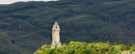 Das 67 m hohe Wallace Monument in Stirling @VisitScotland.com